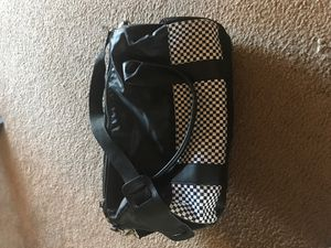 Small duffle style gym bag for Sale in Laveen Village, AZ