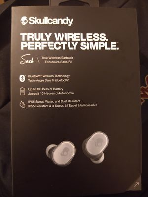 Skullcandy wireless Bluetooth headphones selling $30 firm for Sale in Miami, FL