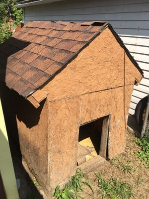 Dog house for Sale in Westland, MI