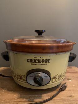 Vintage Rival 5 qt. Slow Cooker/Crock Pot for Sale in Delran,  NJ