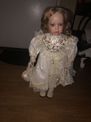 "24"" doll for Sale in Lakewood, CA"