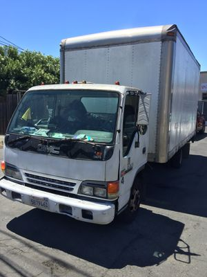 Isuzu box truck. 187000 Miles runs strong transmission strong for Sale in Menlo Park, CA