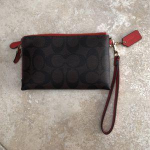 Coach Zip Wristlet / Wallet for Sale in Fort Lauderdale, FL