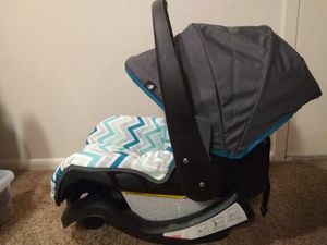 Evenflo Nurture Infant Car Seat and Base for Sale in Layton, UT