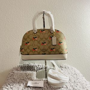 NWT! Coach strawberry satchel bag for Sale in Claremont, CA