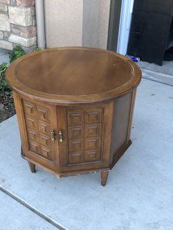 Side Table for Sale in Fresno,  CA