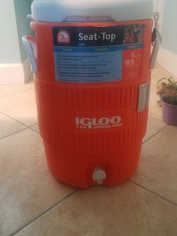 Cooler 5 gallon seat top for Sale in St. Petersburg,  FL