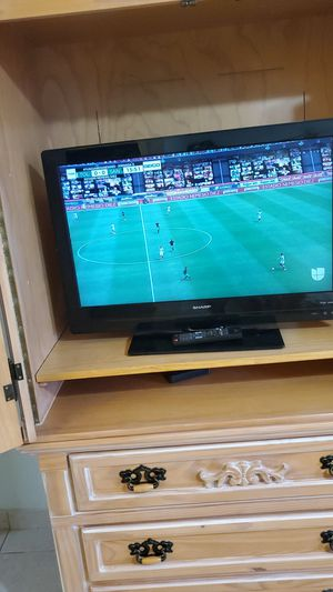 Tv sharp 32' lcd for Sale in Hialeah, FL