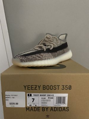 Yeezy Boost 350 V2 Zyon for Sale in Fontana, CA