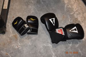 Punching bag and gloves for Sale in Bremerton, WA