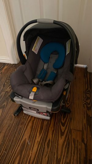 Chicco infant car seat for Sale in Grand Prairie, TX