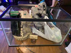 Fish tank 10g for Sale in Dallas, TX