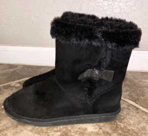 Girls size 5 soft boots / like new for Sale in Gilbert, AZ