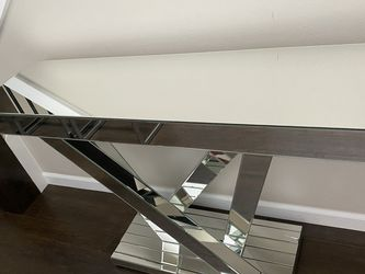 Mirrored Console Table for Sale in Bothell,  WA