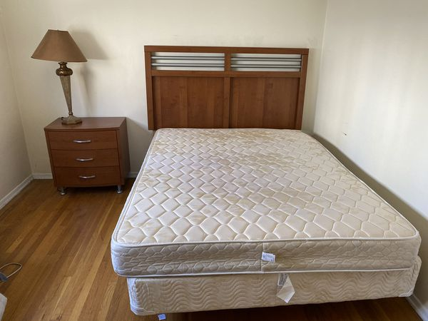 Super Clean, Beautiful, Queen- size bedroom set