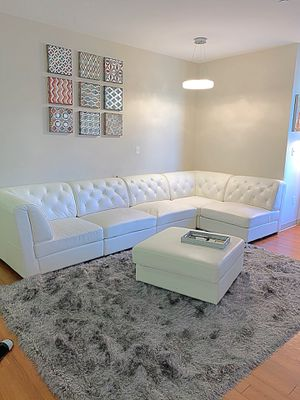 Gorgeous White Sectional!! for Sale in Salem, MA