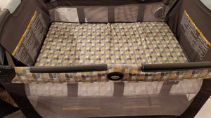 Graco baby playpen. It comes with bag for easy storage. for Sale in Huntington Beach, CA
