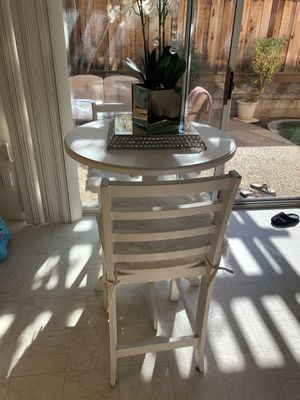 Counter height dining table and chairs for Sale in San Jose, CA