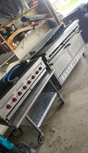 Commercial Oven Range And Grill (CharBroiler) for Sale in Littleton, CO