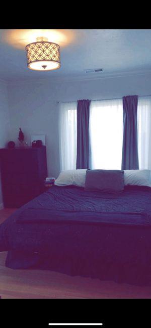 Cali King bed Tempurpedic for Sale in San Bruno, CA