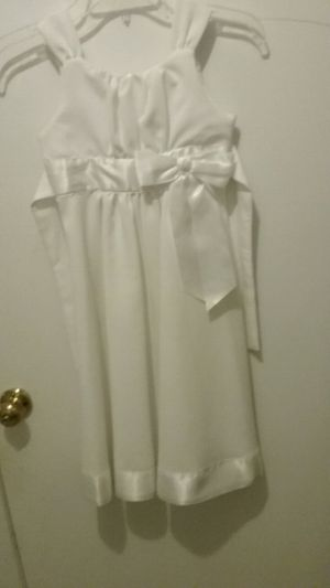 Flower Girl Wedding Dress. Size 7. for Sale in Forestville, MD