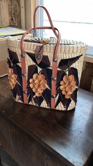Summer wicker beach pool or picnic tote 12 x 16 x 6 for Sale in Colorado Springs, CO
