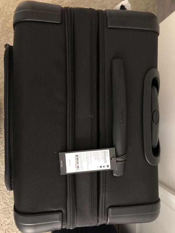 Tumi Alpha 2 short trip brand new!! $500