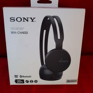 Sony WH- CH400 Bluetooth Headphones 20 hours Battery life for Sale in Murphy, TX