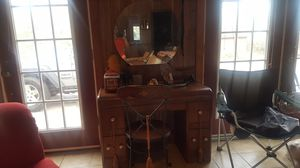 Antique vanity and chair for Sale in Kinston, NC