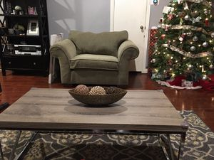 Havertys sofá and love seat + mat for Sale in Mesquite, TX