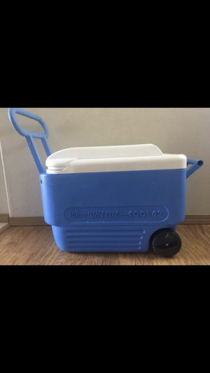 Cooler for Sale in Everett, WA