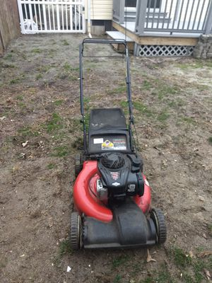 Lawnmower Briggs and Stratton for Sale in Toms River, NJ