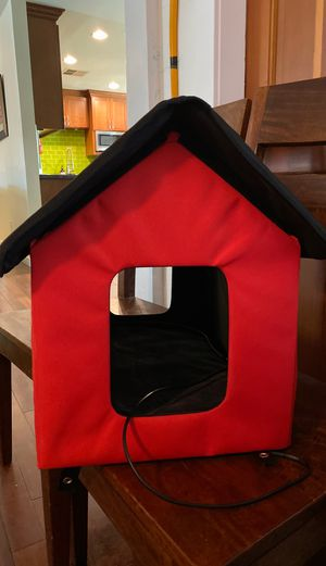 Heated cat small dog kennel bed house for Sale in Scottsdale, AZ