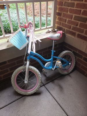 Royal Baby Girls Kids Bike, 14 inch with training wheels, for 3-8 years old for Sale in Falls Church, VA
