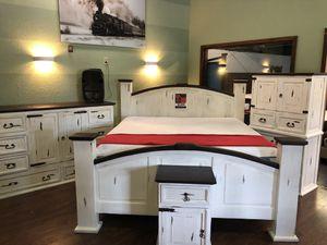 Rusti King Bedroom Set. for Sale in Siloam Springs, AR