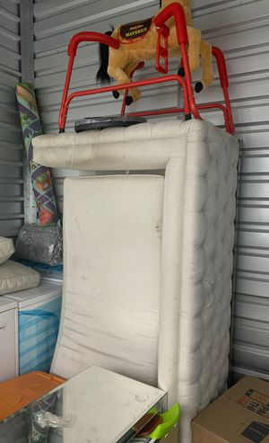Couch for sell for Sale in Rosemead, CA