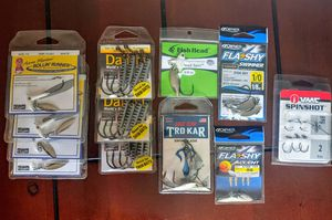 Swim bait hooks under spin hooks drop shot for Sale in Richmond, VA