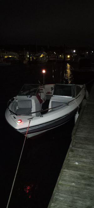 18 ft 90 hp mercury for Sale in Branford, CT