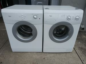 """24"""" WHIRLPOOL WASHER AND DRYER SET for Sale in Miami, FL"""