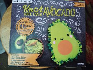 Knot avacado pillow making kit for Sale in Midlothian, IL