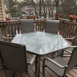 Patio Set (table, 6 chairs, umbrella) for Sale in Alexandria, VA
