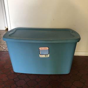 "Storage Container 30 gallon. 31"" x 17"" x 18"" for Sale in Huntington Beach, CA"