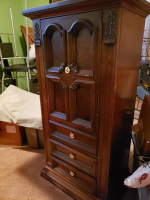 Chester dresser for Sale in Charlotte, NC