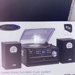 JENSEN 3-Speed Stereo Turntable Music System with CD/Cassette and AM/FM Radio for Sale in Pomona, CA