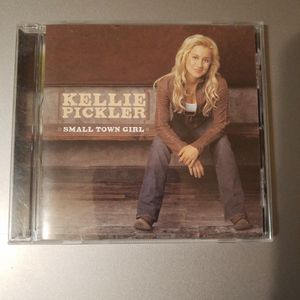 Kellie Pickler - Small Town Girl CD for Sale in Hutchinson, KS