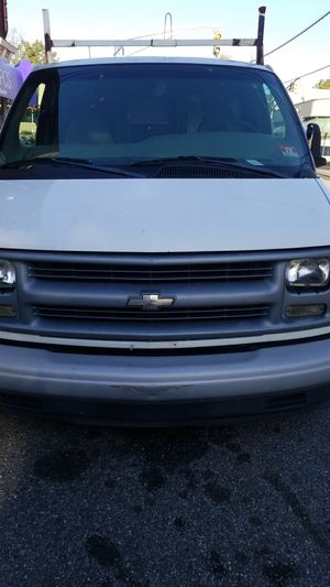 2001 Chevy Express 1500 *TRADES OK* for Sale in Bayonne, NJ