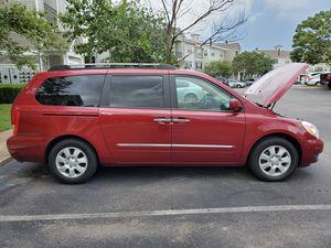 Hyundai Entourage Mini Van 2007 for Sale in Smyrna, TN