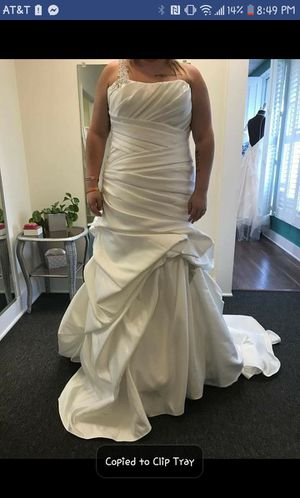 Brand new size 16 wedding dress for Sale in Saint Charles, MO