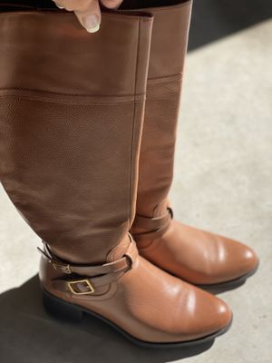 Ladies Leather Franko Sarto Boots Size 9.0-9.5 for Sale in Mill Creek, WA