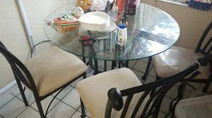 Kitchen table and chair set Rooms To Go set for Sale in New Port Richey, FL
